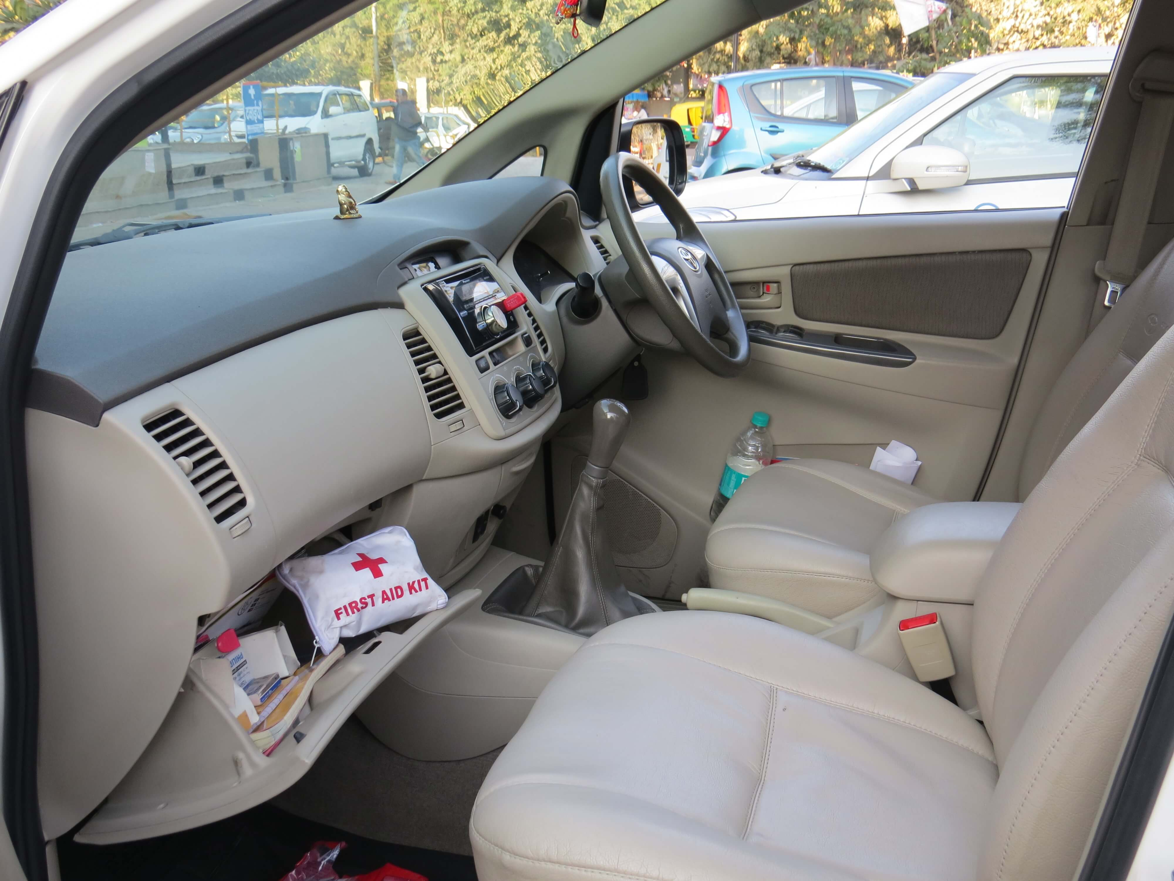 toyota innova indian excursions front seats indian excursions co. Black Bedroom Furniture Sets. Home Design Ideas