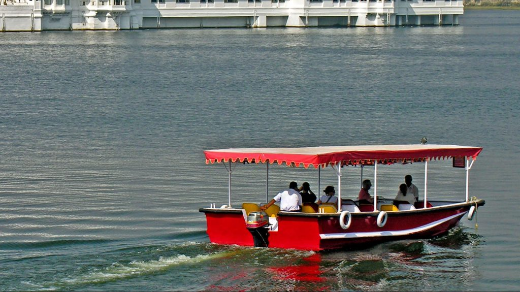 Boat ride in Udaipur Rajasthan with kids
